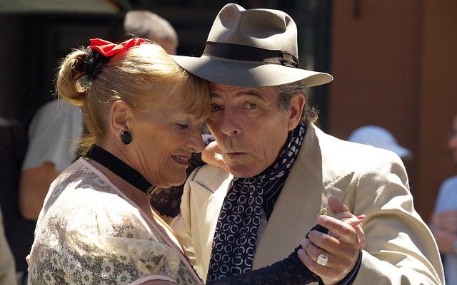 Starší zamilovaný pár